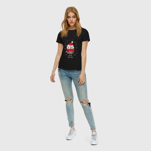 Женская футболка с принтом Сова в шапке, вид сбоку #3