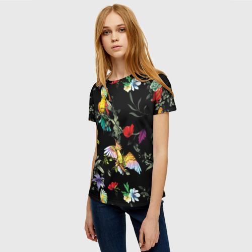 Женская 3D футболка с принтом Попугаи, фото на моделе #1
