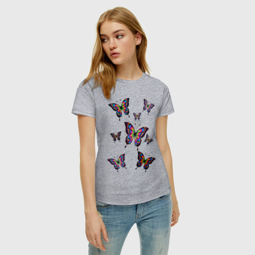 Женская футболка с принтом Бабочки, фото на моделе #1