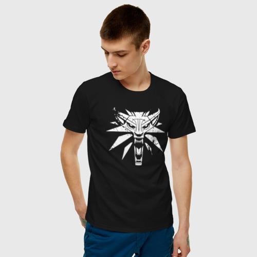 Мужская футболка с принтом Ведьмак, фото на моделе #1